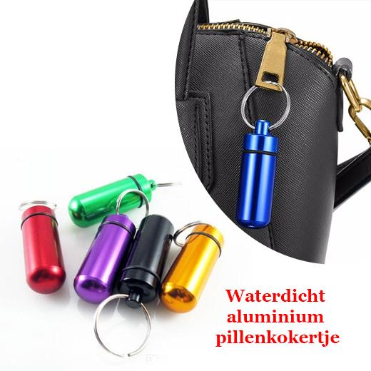 Waterdicht pillenkokertje met sleutelhanger in 5 kleuren ( 2stuks )